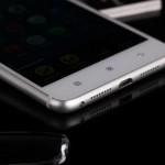 Смартфон Lenovo S90 для селфи официально представили в России
