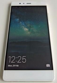 Появились первые фото нового Huawei P9