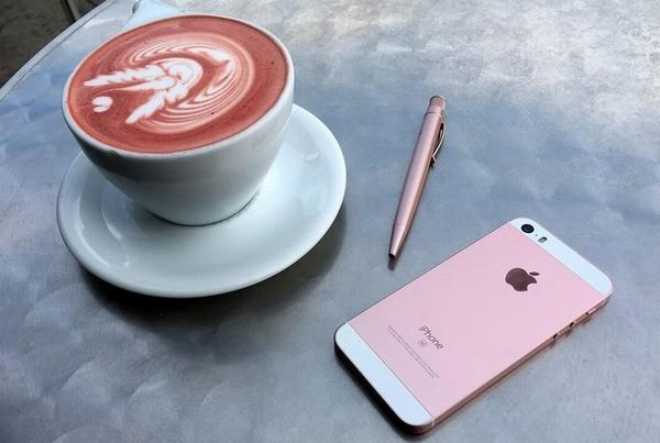 Себестоимость нового Apple iPhone SE составила менее 200 долларов