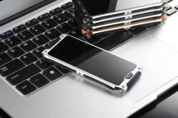 Появились «живые» фото нового смартфона VKworld Crown V8