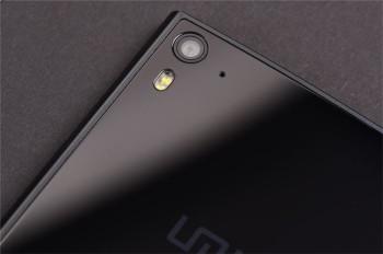 novostianonsirovan-pervyj-smartfon-na-helio-x27 2