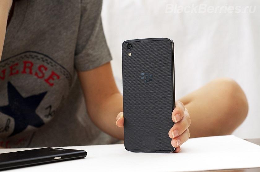 novostipredstavlen-pervyj-devajs-bb-merah-i-blackberry 1