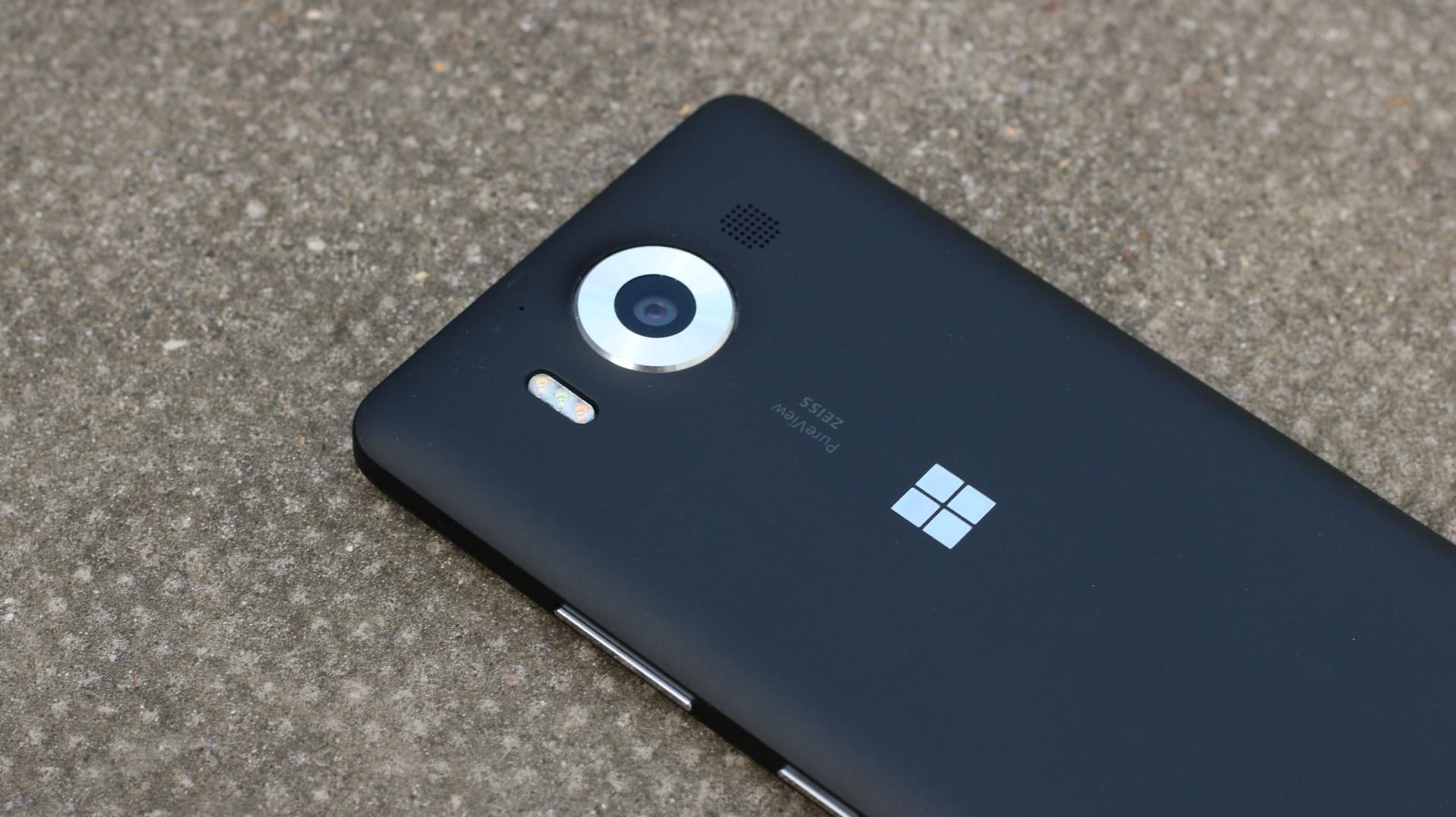 В сети замечен новый флагманский смартфон от Microsoft