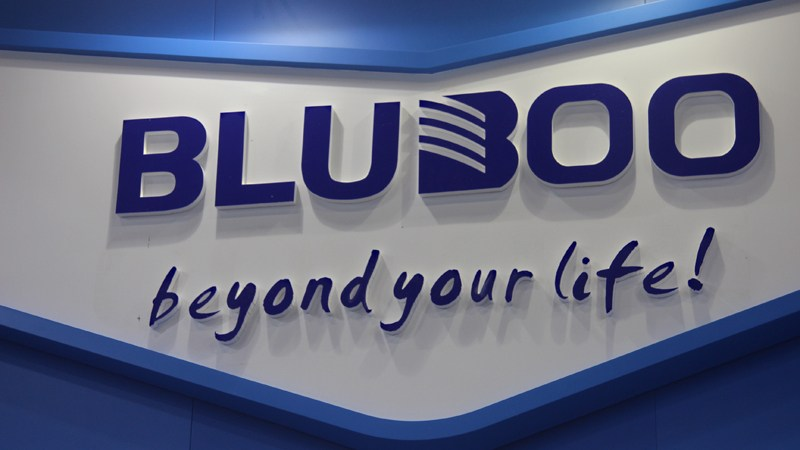 novostigotovitsya-reliz-smartfona-r1-ot-kompanii-bluboo 2